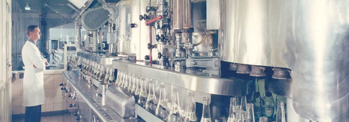 Barossa 1950s - Barossa Pearl Bottling